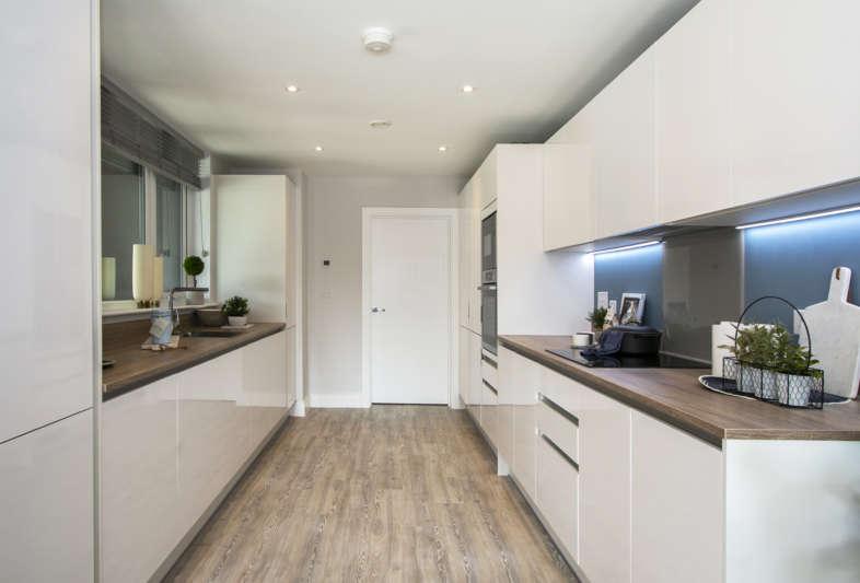 2 bed kitchen2